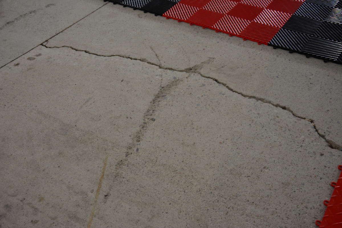 Racedeck Modular Garage Flooring Tiles Reincarnation