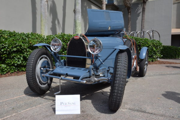 Amelia '19 Replicas 16