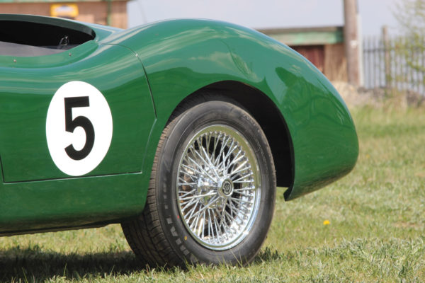 Aston Dbr1 B17