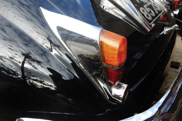 These taillights are for an XK150; 
