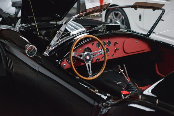 Black 427 Cobra 10