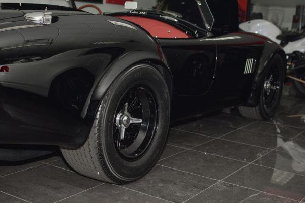 Black 427 Cobra 8