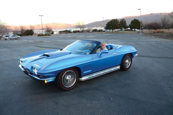 Flip-up headlights function like those on the '67 Corvette, only better.