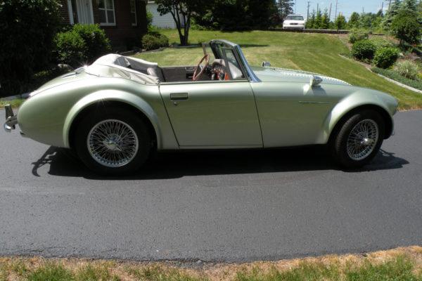 Classic Roadsters Austin Healey Replica 3