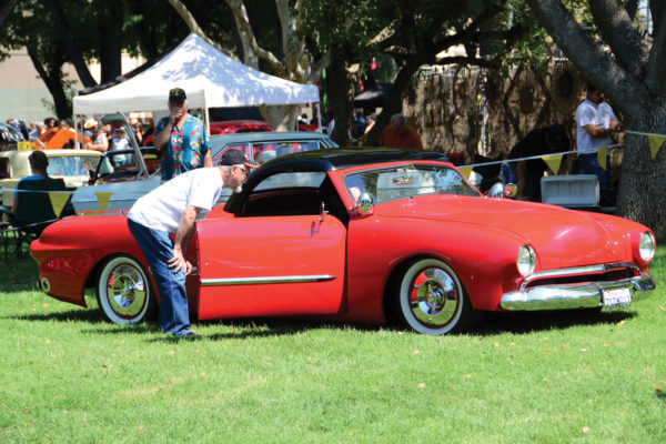 Bob Dron's lowered and smoothed '49 Ford  drew all sorts of onlookers.