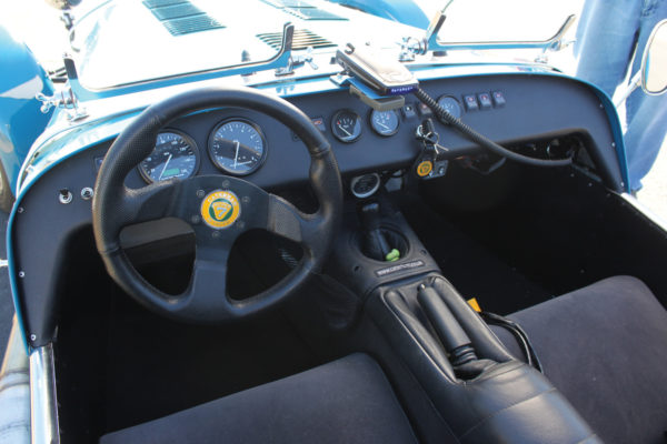 Simple and straightforward, all that you need and nothing that you don't on the dash. The steering wheel also has a quick-disconnect feature to facilitate ingress/egress.