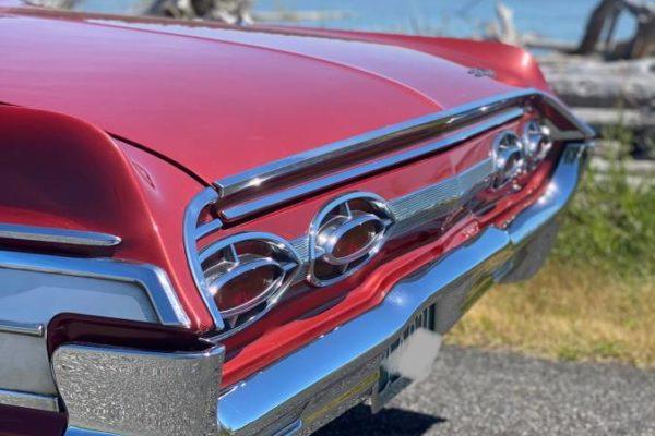 Oldsmobile Starfire6