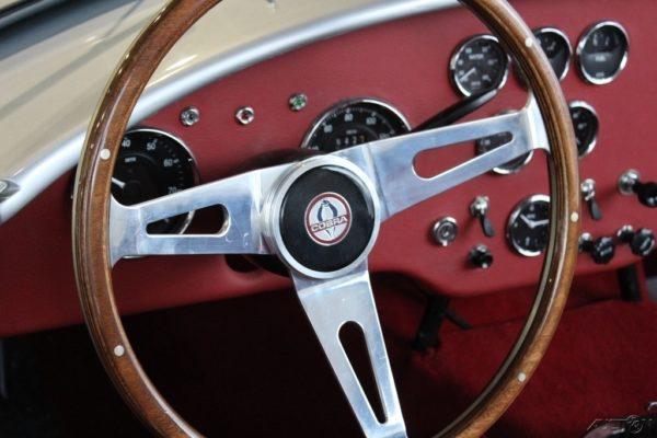 Shelby Cobra Authentic 289 00009