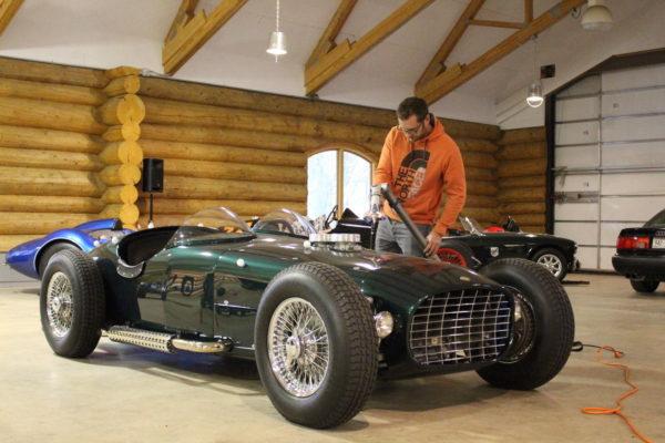 Troy Roadster 8