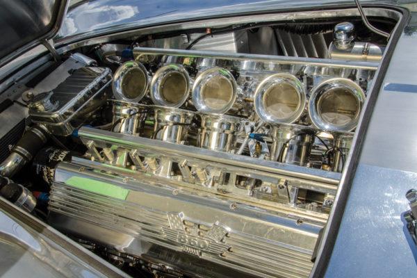 V12 Cobra B8