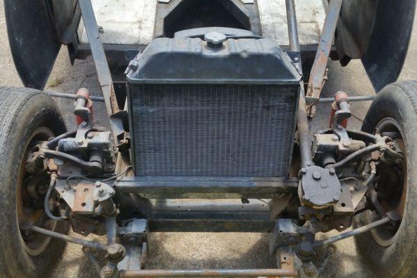 V8 Austin Healey 13