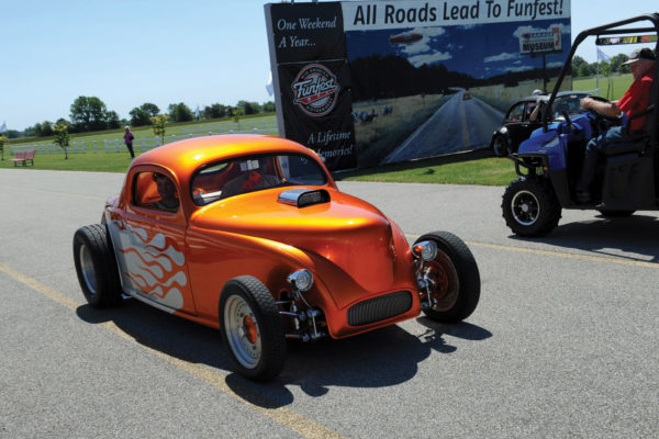 Chosen as a Celebrity Choice by Patti Voss of MST is this '57 street-rodded Beetle, owned by Dan and Sheila Fenton of Windsor, Ontario.