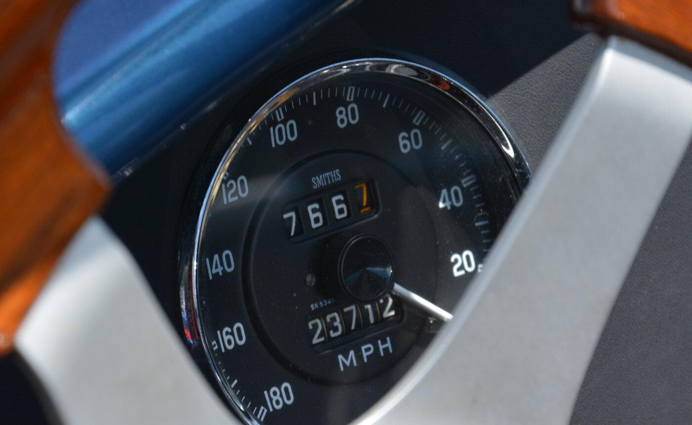 Smiths electric 270-degree sweep gauge set | ReinCarNation