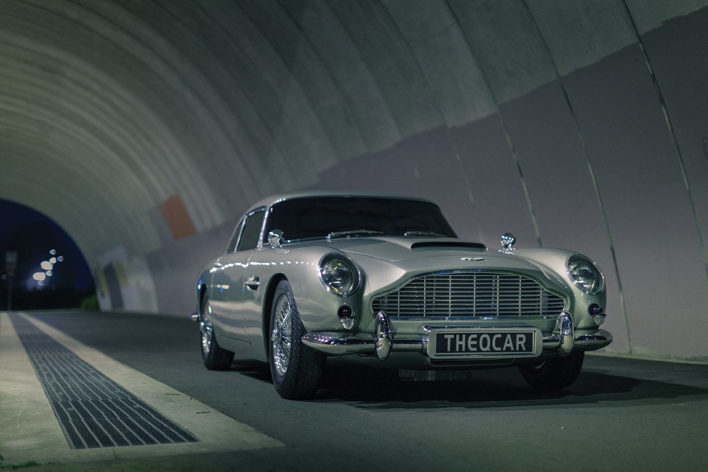 James Bond Aston Martin DB5 Replica