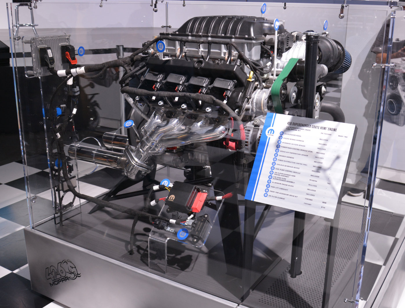 Dodge Unveils New 1 000 Horsepower 426 Hemi Engine Known As