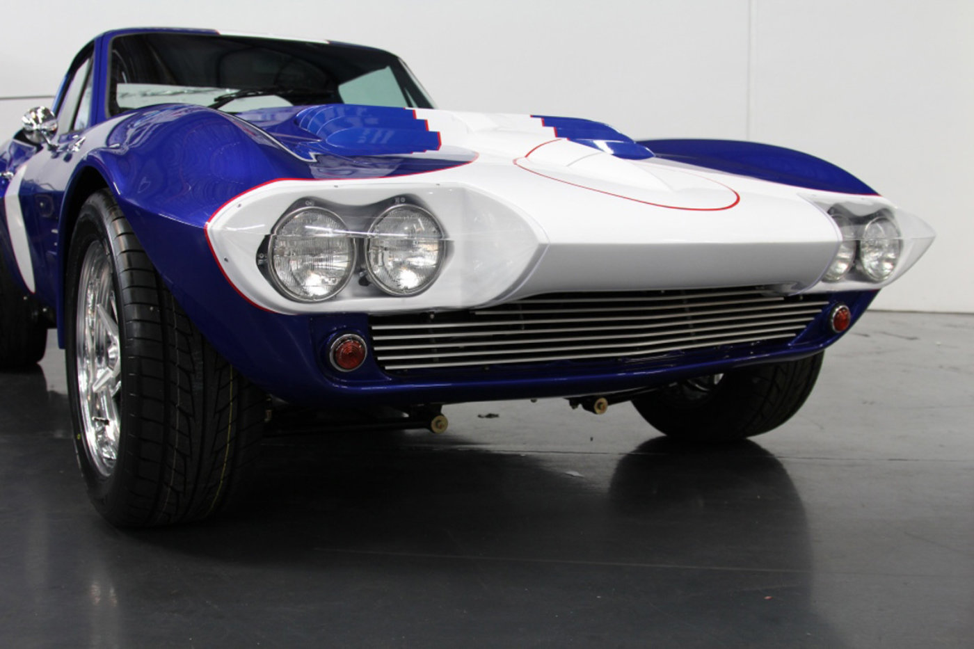 Superformance Grand Sport Corvette 12