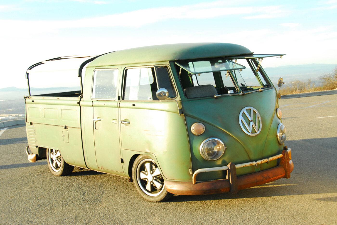 Electric powered vw microbus reincarnation magazine for Garage volkswagen 94 creteil